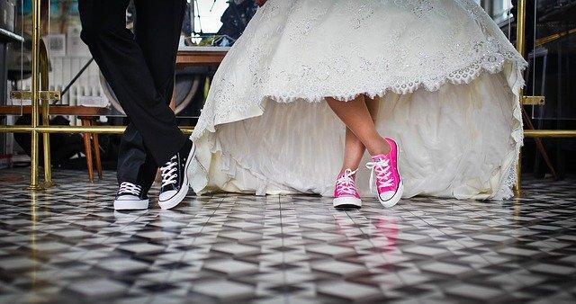 tenisky novomanželů.jpg