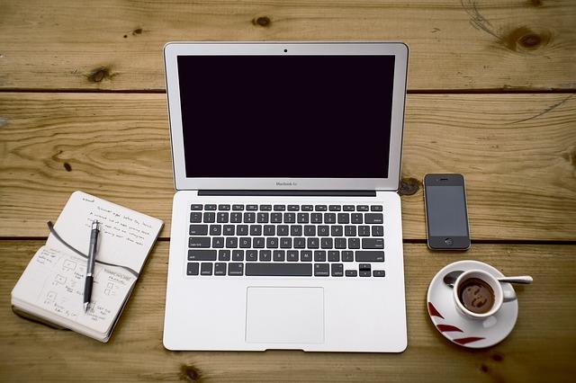 stůl z prken.jpg
