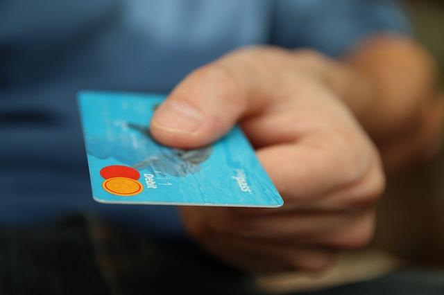 modrá kreditka.jpg